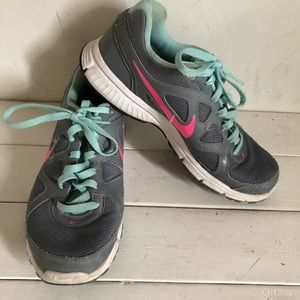 Nike Running Shoes Teal, Gray and Pink